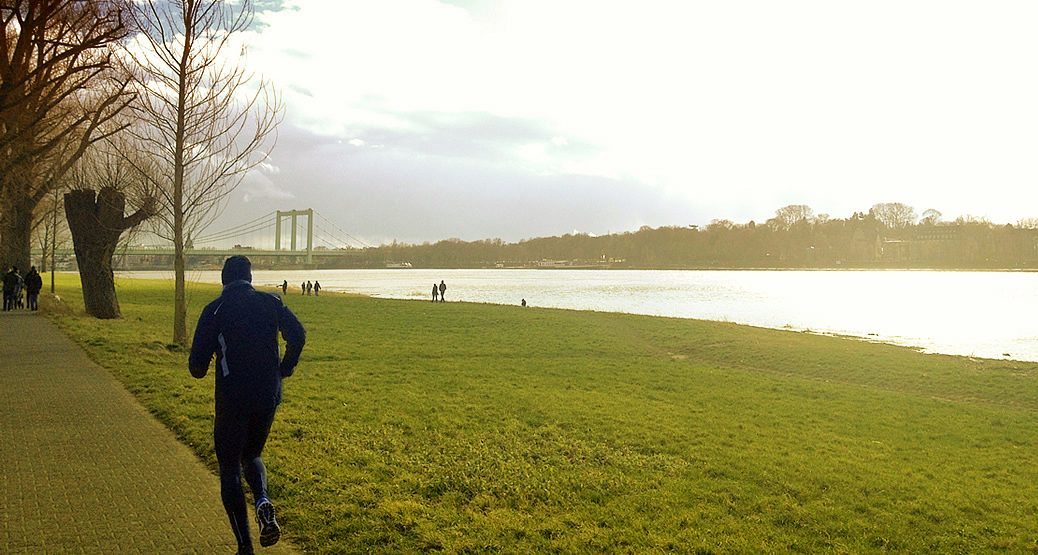 Joggingstrecke am Rhein in Köln