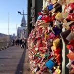 Ein Spaziergang über die Hohenzollernbrücke mit ihren vielen Liebesschlösser