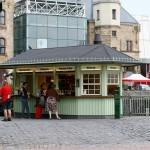 Imbiss und Biergarten vor dem Schokoladenmuseum